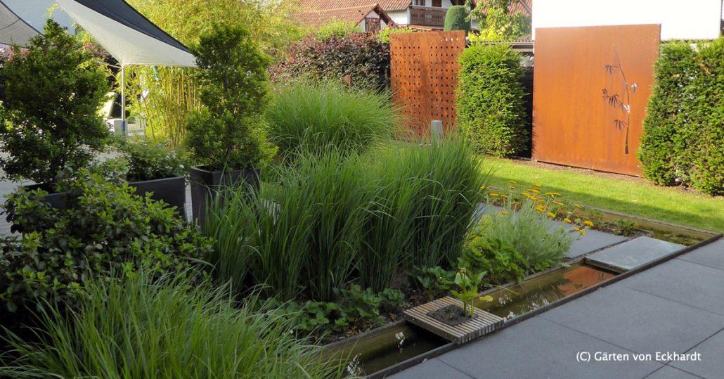Hausgarten mit wasserlauf aus alt wird neu h c for Garten umbau
