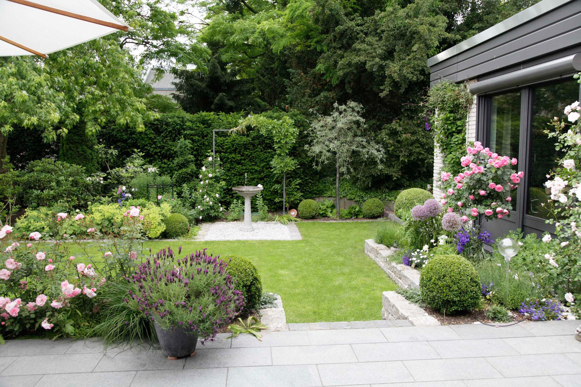 Gartengestaltung g rten von eckhardt gmbh co kg for Landhausgarten deko