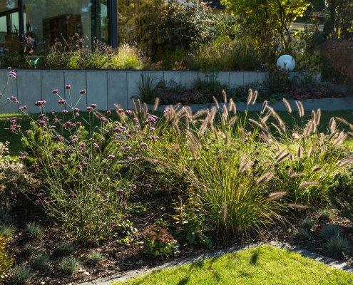 Gartengestaltung mit Stauden und Gräsern
