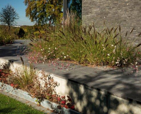 Gartenterrasse mit Bepflanzung