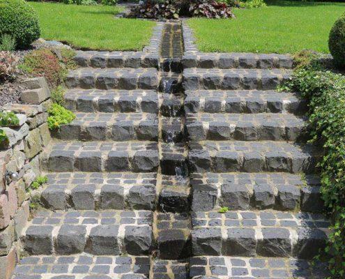 Wasserlauf Hausgarten