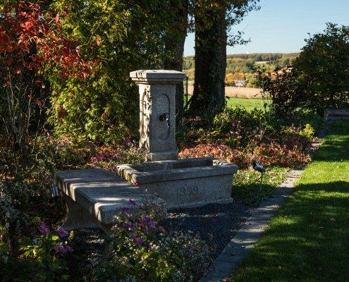 Natursteinbrunnen aus Granit