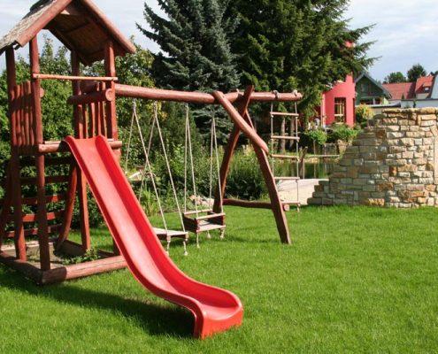 Kindenrspielplatz im Garten