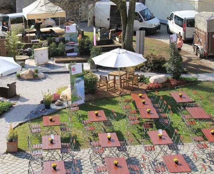 Stilblühte 2014: Der Schaugarten mit Terrasse uns Gartenmöbel